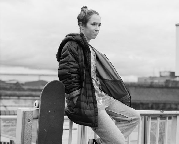 OUTFIT-6-Lois001_option_bw_750px
