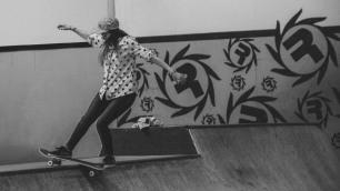 Girlskateuk_DaveLawrie_Revolution_Tricks_bw-8666