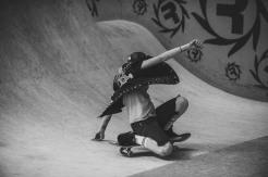 Girlskateuk_DaveLawrie_Revolution_Tricks_bw-8693