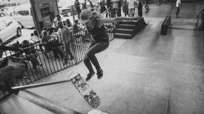 Girlskateuk_DaveLawrie_Revolution_Tricks_bw-8776