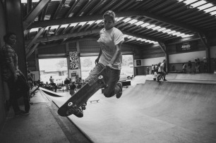 Girlskateuk_DaveLawrie_Revolution_Tricks_bw-8810