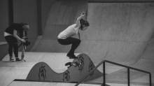 Girlskateuk_DaveLawrie_Revolution_Tricks_bw-8970