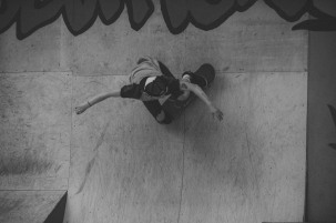 Girlskateuk_DaveLawrie_Revolution_Tricks_bw-8982