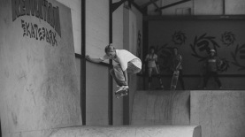 Girlskateuk_DaveLawrie_Revolution_Tricks_bw-8998
