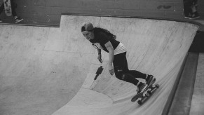 Girlskateuk_DaveLawrie_Revolution_Tricks_bw-9032