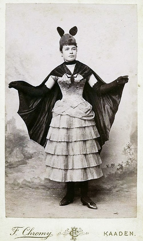 Old Halloween Costumes From Between the 1900's to 1920's (5 ...