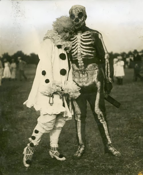 Old Halloween Costumes From Between the 1900's to 1920's (8 ...